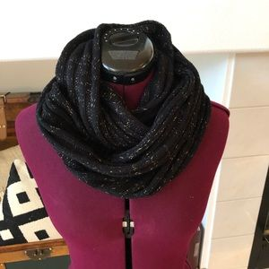 Black and gold J. Crew cable knit scarf